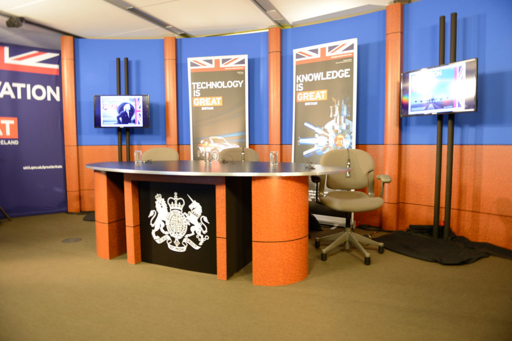 British consulate studio, set background, studio . background, tv background, Wall column system, interview desk, news desk, NUNS, NUNS Desk System, desk system, graphics