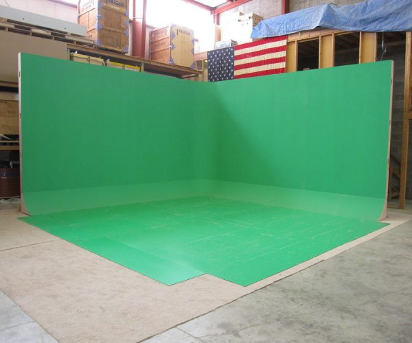 L shaped 20' x 20' free standing green screen cyclorama