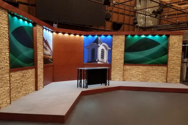 SUNY Rockland, UNIPRO Studio System, UNIPRO Desk System, College Set background, College TV studio, UNISET