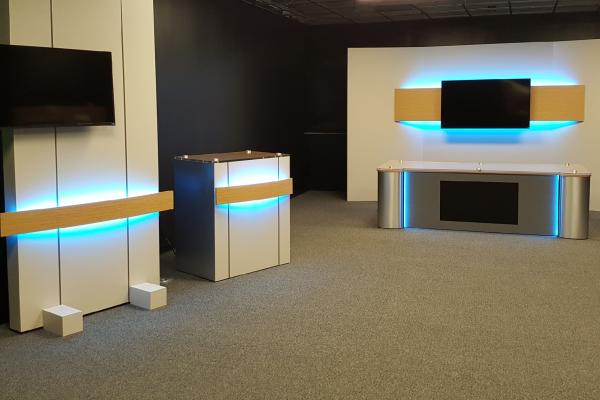 Custom, Rolling Panel System, UNISET, Lafayette Gannett Studio, custom fabrication, custom desk, custom set background